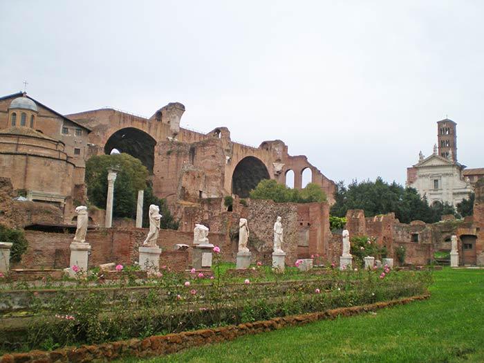Foro romano, Italia