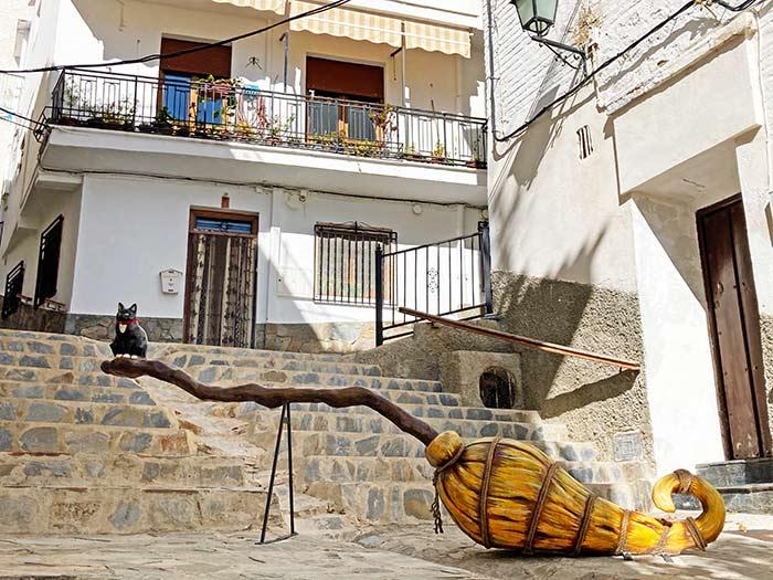 La escoba mágica de la bruja en Soportújar