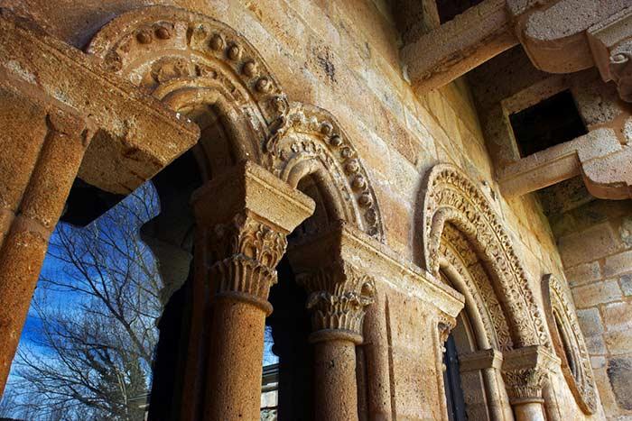 Monasterio de Carracedo, fachada de la Reina