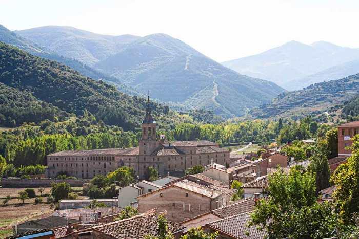 Panorámica del Monasterio de Yuso en San Millán de la Cogolla, La Rioja