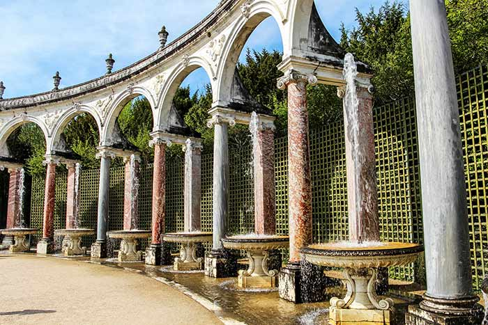 Detalles de la zona de jardines del Palacio de Versalles