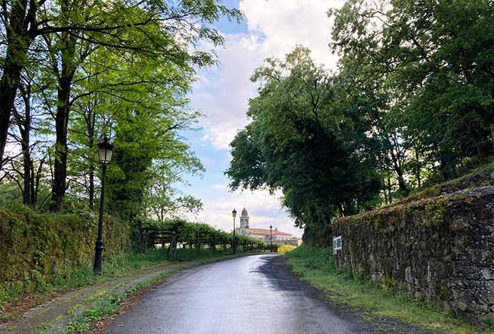 Pequeño pueblo en la Etapa 5 del Camino Portugués a Santiago