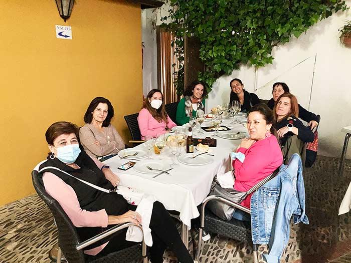 Cena con el grupo de mujeres con las que viajé a Guadalupe, Cáceres