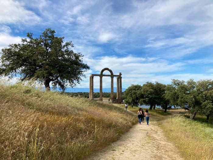 Ruinas romanas junto al Embalse Valdecañas