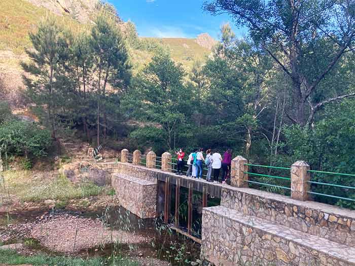 Foto en nuestra ruta de senderismo en el Geoparque Villuercas Ibores Jara