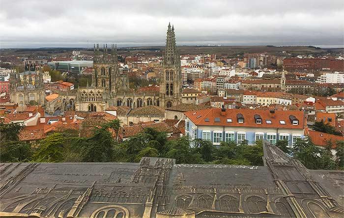 Vistas sobre la Catedral de Burgos desde el mirador del castillo