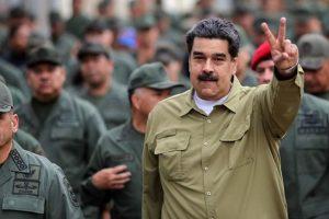 Afirman que EEUU contactó a militares para que no apoyen a Maduro