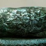 Du Shan Yu Hai (Extra large jade of Dushan), a jade carving of Yuan Dynasty. 70cn hight, 493cm in circumference