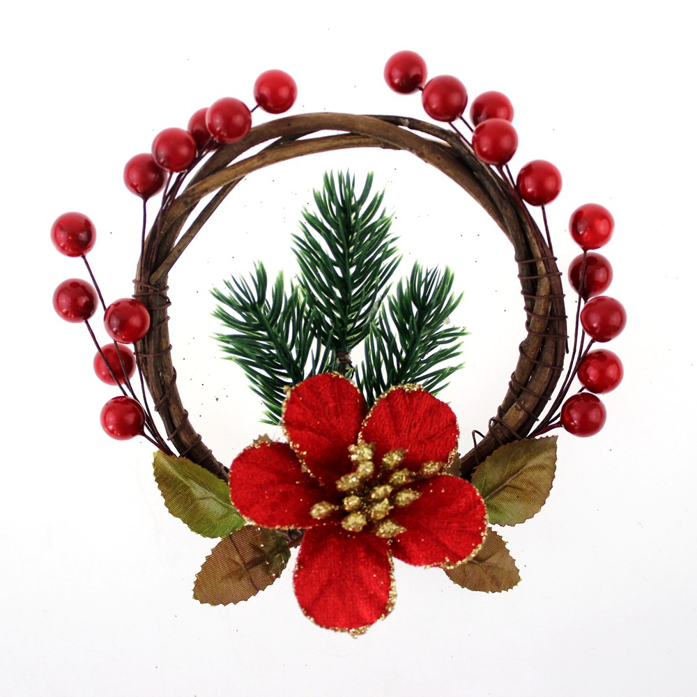 Christmas Berry Ring With Poinsettia