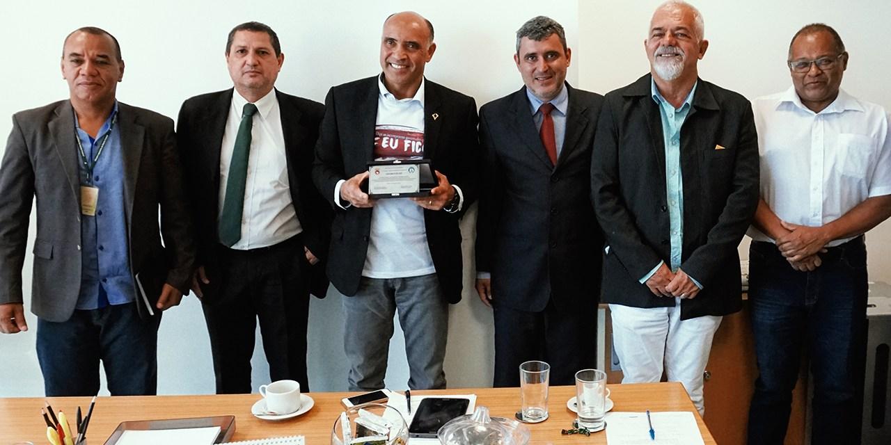 SinpecPF e Ansal homenageiam deputado Wellington Luiz e pedem apoio na luta por valorização