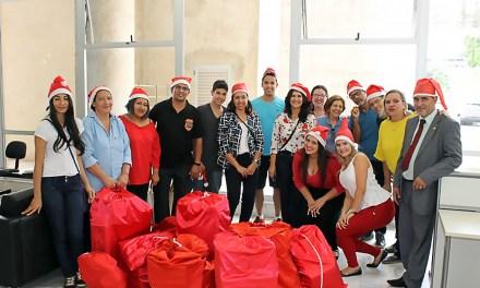 Feliz Natal: SinpecPF ajuda a levar alegria a crianças carentes e em tratamento