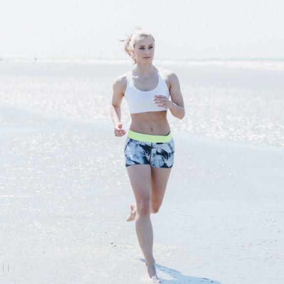 Siobhan Johnstone fitness model