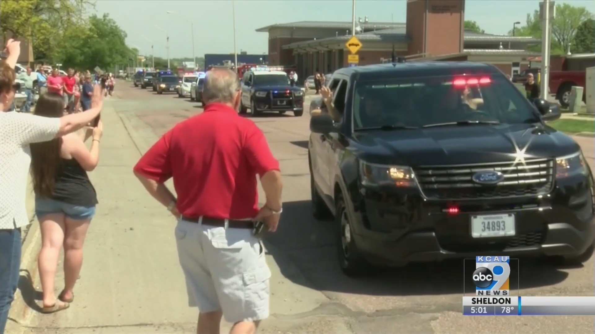 South Sioux City welcomes home injured officer
