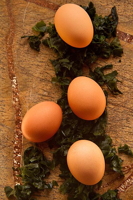 Eggs and seaweed