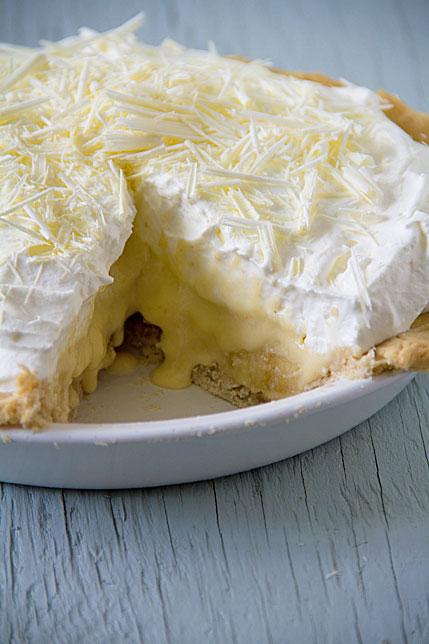 White Chocolate Banana Cream Pie is a Sugar Pie - SippitySup