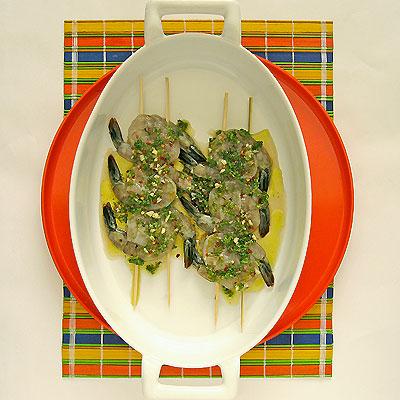 marinating shrimp kabobs