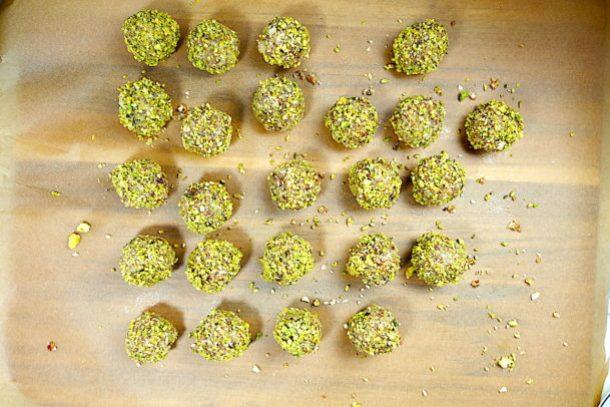 Vegan Date Nut Balls