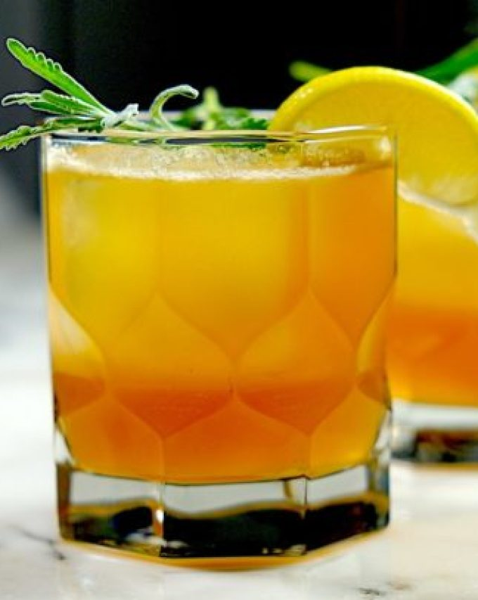 Gold Rush Cocktail