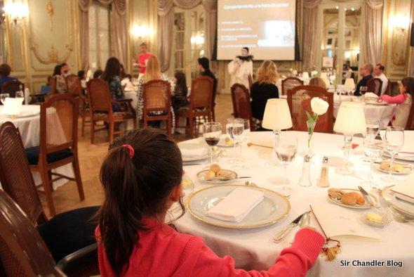 El Hotel Alvear organiza clases de protocolo… para chicos!