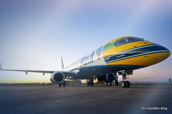 Línea aérea de Brasil homenajeó a Senna poniendo un casco en un avión