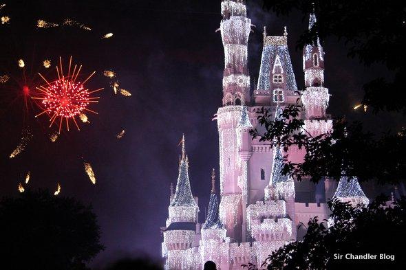 Abre una nueva montaña rusa en Disney: la de los siete enanitos