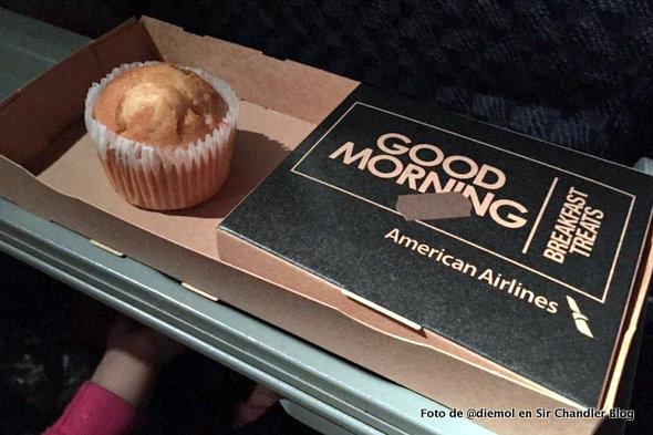 American Airlines implementó una cajita infeliz para el desayuno