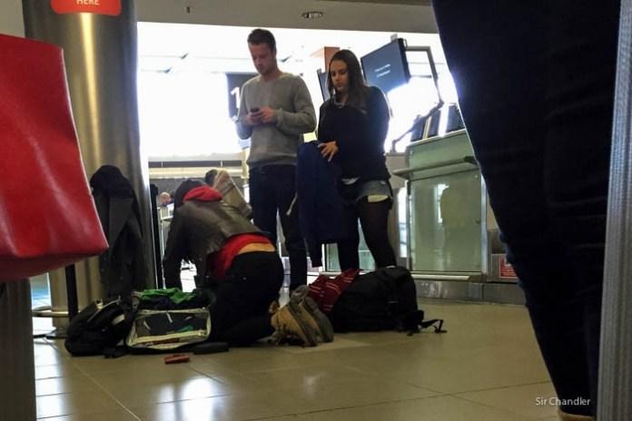 reacomodo-ropa-aeropuerto