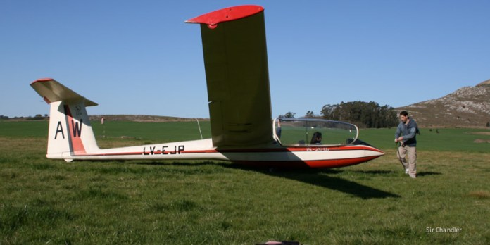 Volar en planeador y sólo escuchar el viento :)