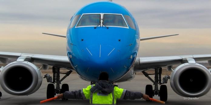Aerolíneas Argentinas avanza con las ofertas para cambiar a los Embraer de Austral