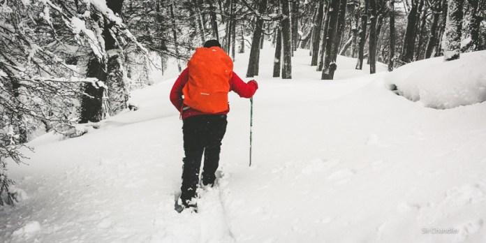 Caminata en la nieve en el Cerro Bayo