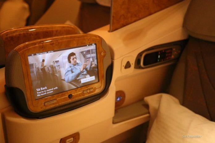14-emirates-pantalla