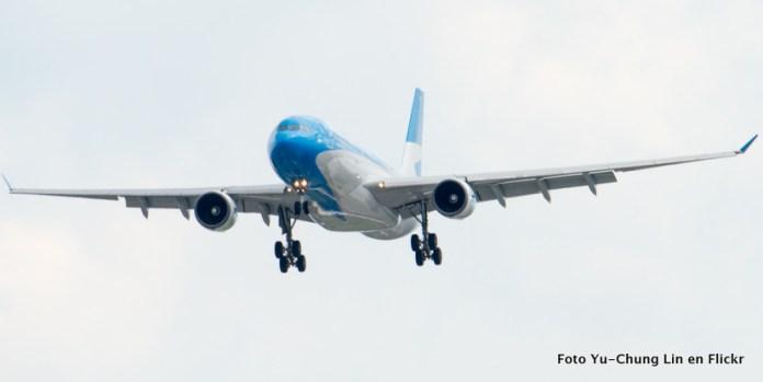 Aerolíneas Argentinas cancela definitivamente Caracas y sube frecuencia a Bogotá