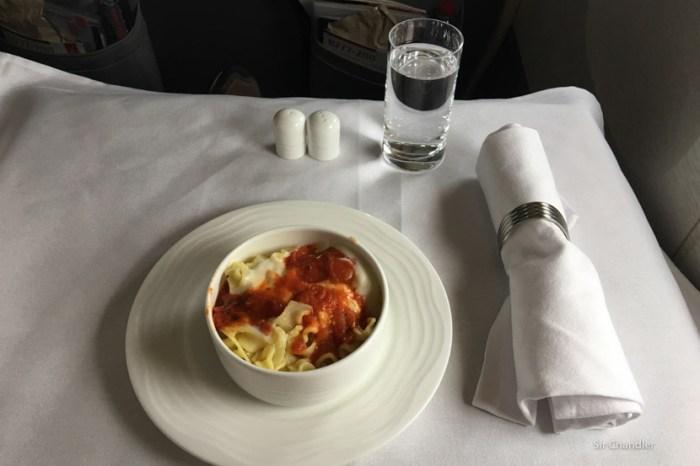 19-emirates-comida-ligera