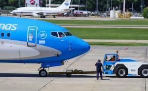 d-aerolineas-argentinas-737-remolque-3524