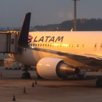 LATAM también mandó mail como Aerolíneas por la diferencia de tasas de pasajes de 2017 ¿Qué se hace?