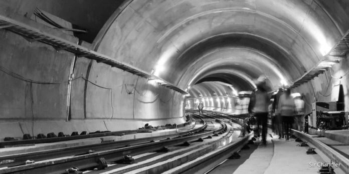 Caminando por los túneles de la línea H y la futura estación Facultad de derecho