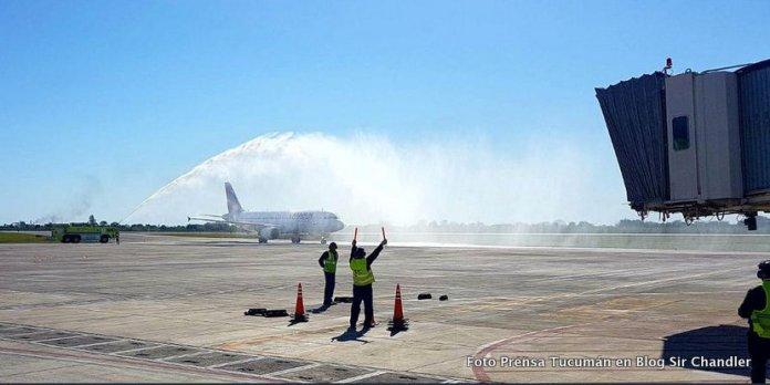 Tucumán recibió su primer vuelo directo desde Santiago de Chile