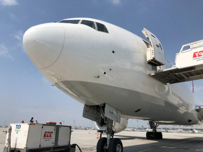 ¿Qué llevan los aviones cargueros?