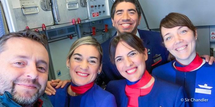 Vuelo a Ushuaia con seguimiento a la tripulación en sus tareas