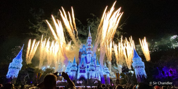 Postales de Magic Kingdom en navidad