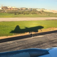 Comprar pasajes de avión ¿En USD sin el 30%? ¿En cuotas con el 30%? ¿Afuera?