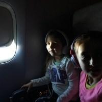 Viajar con bebés y chicos en avión - consejos