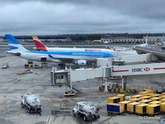 Aerolíneas Argentinas posterga el regreso a Roma y New York hasta abril