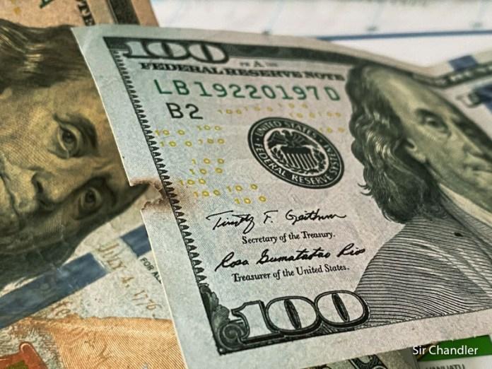 ¿En Estados Unidos aceptan billetes de dólar viejos, rotos o manchados?