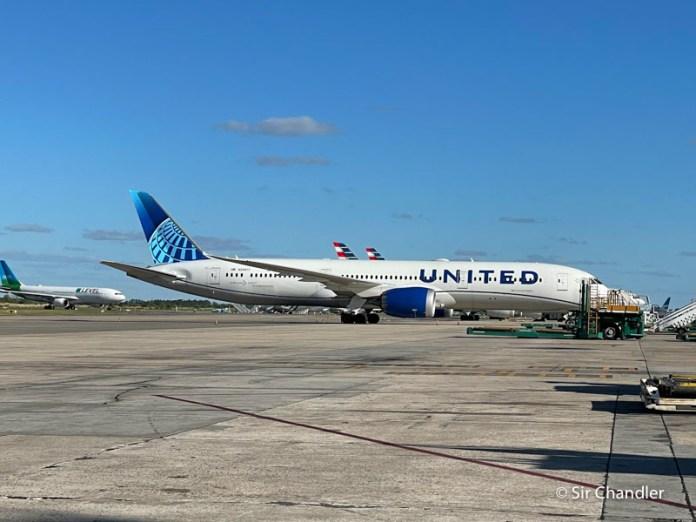 United tendrá cuatro vuelos en la primera quincena de mayo