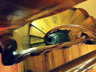 Antoni Gaudí: Wooden Stairwell Casa Batllo