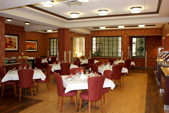 Regency Rehabilitation Center Long Term Living magazine award winning dining room.