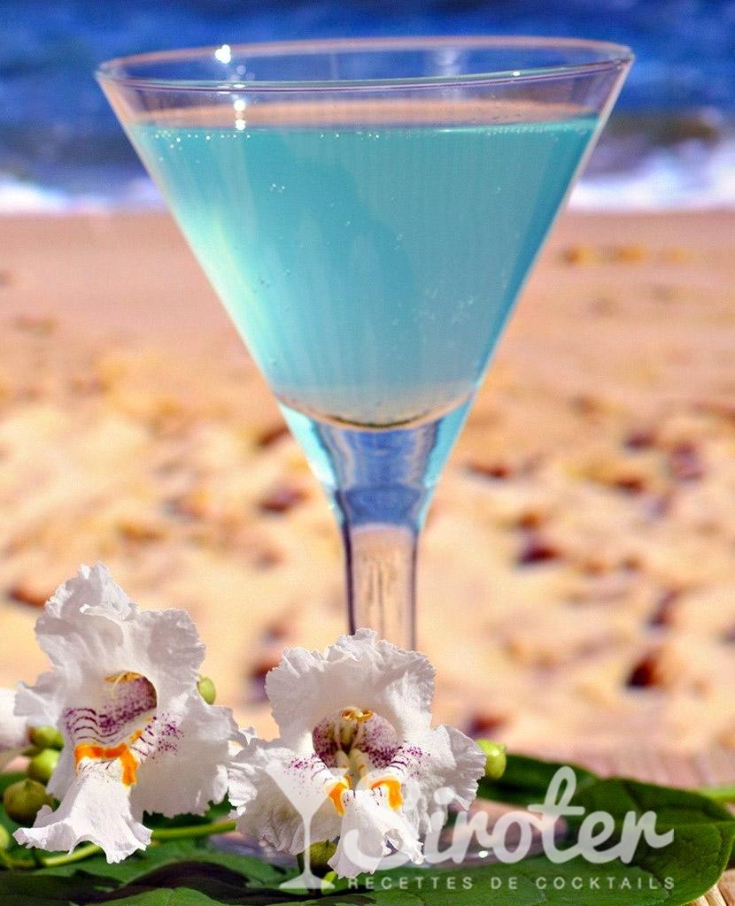 Cocktail Blue lagoon  Recette prparation et avis  Sirotercom