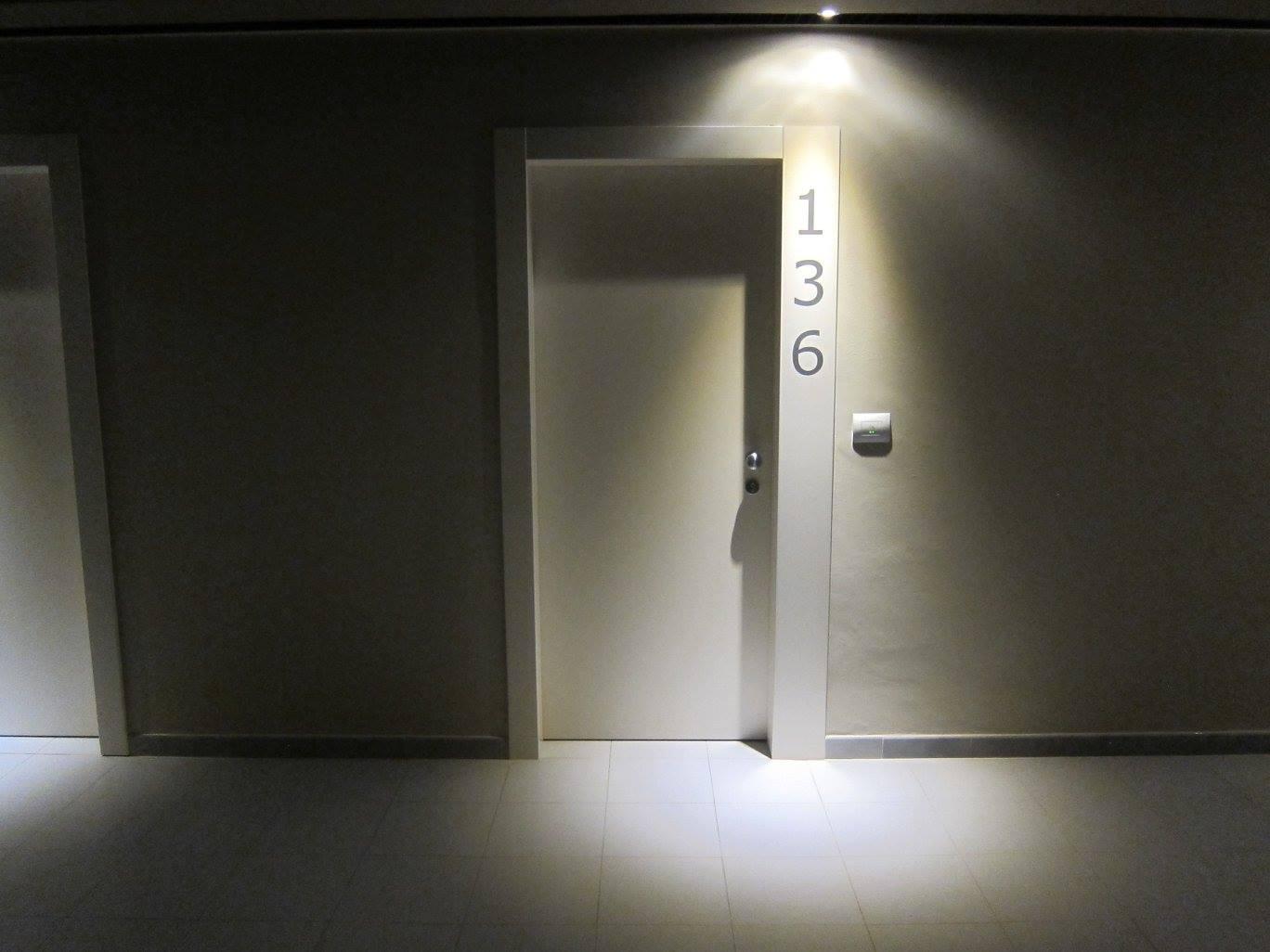 Realizzazioni Porte per Hotel  SIS  Produzione Porte