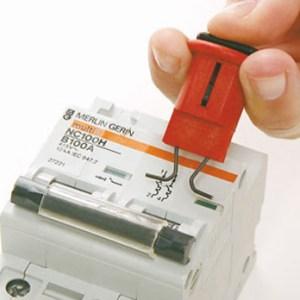 Bloqueo de disyuntores eléctricos modelo POW